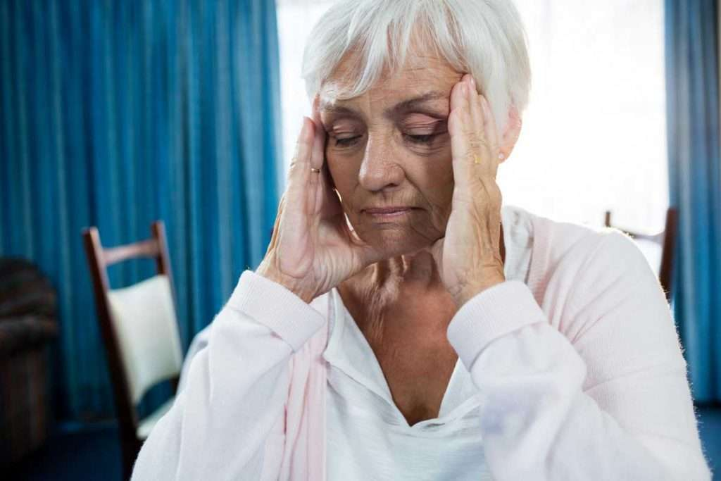 Hypoglycemia: Symptoms & Causes